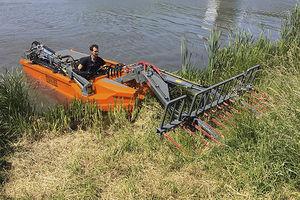 косилка для травы на воде с дизельным двигателем