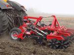 оборудование для обработки почвы сцепка на три точки